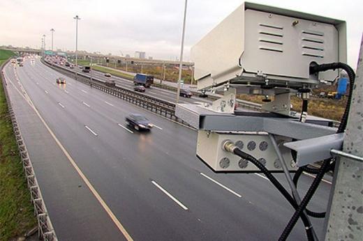 В Україні виїзд на смугу громадського транспорту фіксуватимуть камери: яким буде штраф