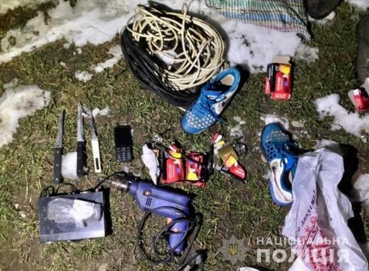 На Виноградівщині двоє зловмисників напали на пенсіонерку