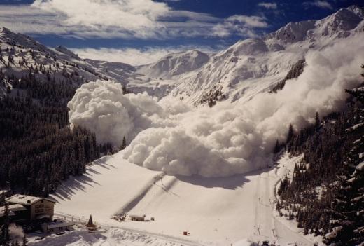 Рятувальники попереджають про можливість сходження лавин на Закарпатті
