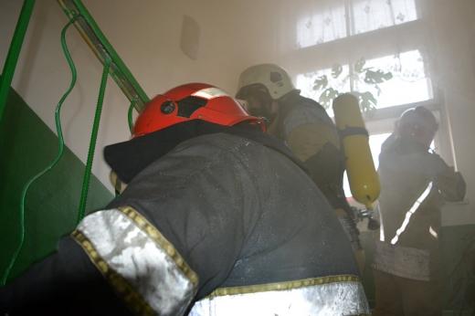 В Ужгороді горіла квартира в одній із багатоповерхівок
