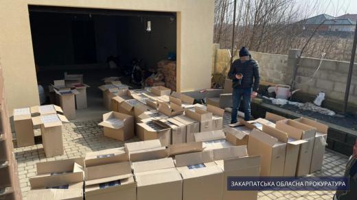 На Берегівщині правоохоронці виявили сховок безакцизних сигарет на 2,5 млн грн (ФОТО)