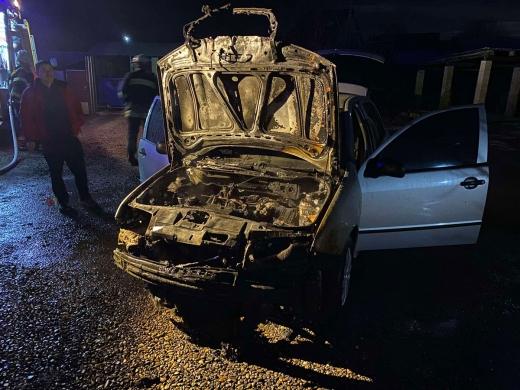 В Іршаві пожежники гасили загорання автомобіля