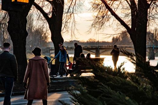 Останній день зими в Ужгороді показали в атмосферному фоторепортажі