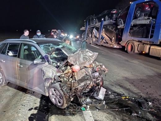 Моторошна автопригода на Закарпатті: постраждалих деблокували рятувальники