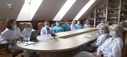 Рентгенологи, сімейні лікарі, терапевти, педіатри, пульмонологи зібралися за круглим столом в Ужгороді