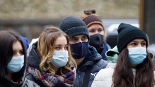В Україну прийшов новий штам коронавірусу, небезпечний для молоді
