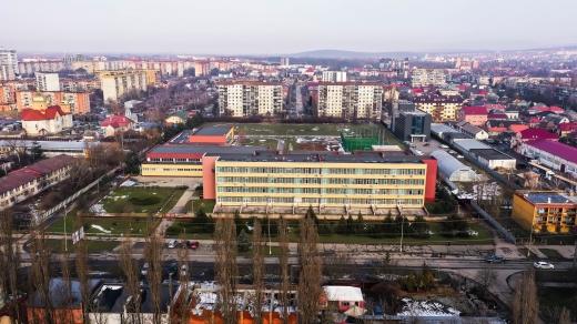 Капітальний ремонт найбільшого шкільного басейну Ужгорода виконано на 95 %