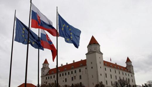 Уряд Словаччини на межі розпаду через купівлю російської вакцини