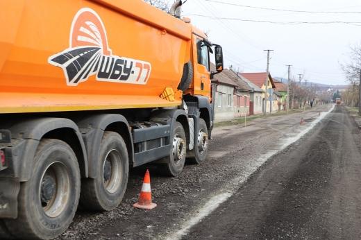 Розпочато будівельні роботи на дорозі, яку не ремонтували понад 30 років