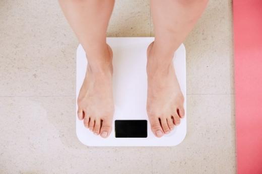 Скільки калорій рекомендовано з'їдати щодня, щоб схуднути