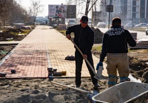 В обласному центрі Закарпаття ремонтують вулицю Легоцького (ФОТО)