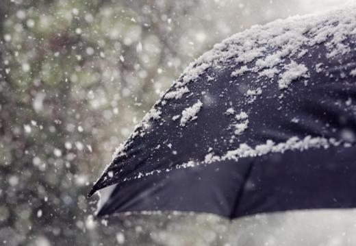 Синоптики попереджають про різке зниження температури та опади на Закарпатті