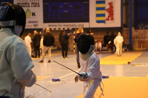 В Ужгороді стартував турнір із фехтування
