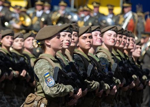 В Україні за сім років кількість жінок-військових зросла майже вдвічі