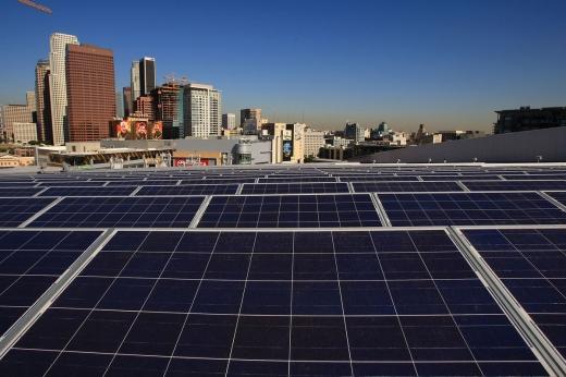 В столиці Німеччини прийняли рішення на дахах всіх будівель встановити сонячні панелі
