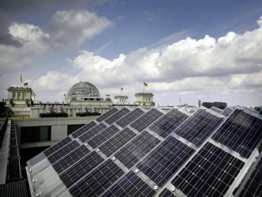 У Берліні дахи всіх будівель облаштують сонячними панелями