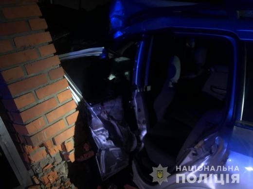 Смертельне зіткнення на Закарпатті: водій загинув, пасажир - у лікарні
