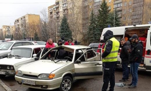 В Ужгороді в автівці вибухнув газовий балон
