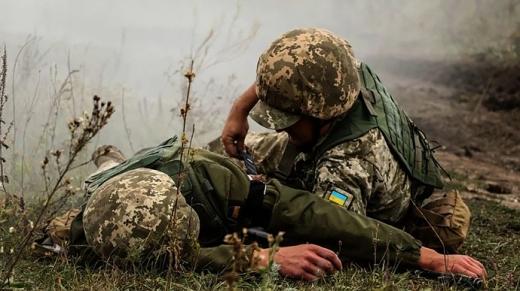 Біля Південного поранено українського бійця