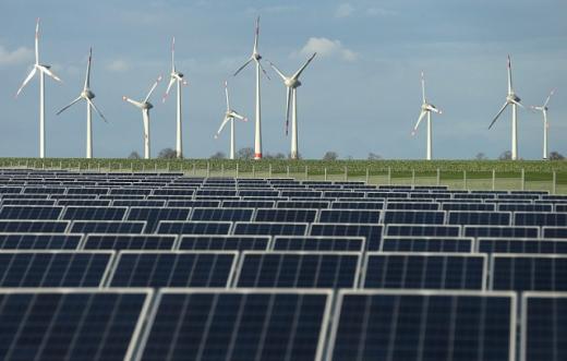 Європейський інвестиційний банк виділив на будівництво вітрових і сонячних станцій 688 млн євро