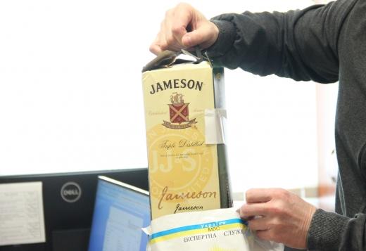 Закарпатським податківцям продали фальсифікований «Jameson»