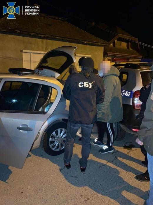 Канал незаконної міграції іноземців заблокували на Закарпатті