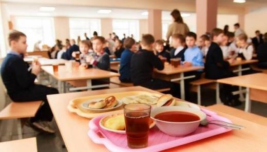 На Закарпатті оновили 136 шкільних їдалень