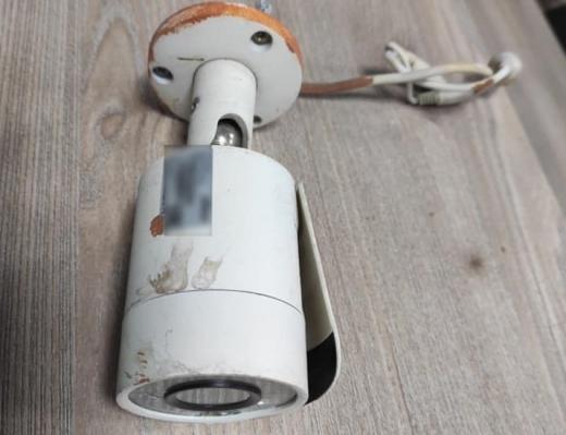 У Мукачеві чоловік на вулиці намагався продати крадену камеру відеоспостереження