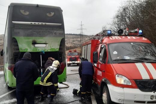 Воловецькі рятувальники ліквідували загорання в пасажирському автобусі
