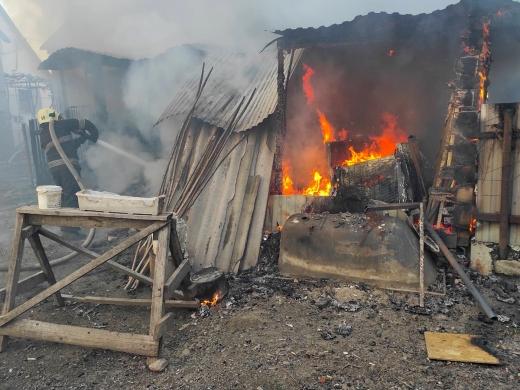 Під час пожежі на Хустщині травмувалася жінка
