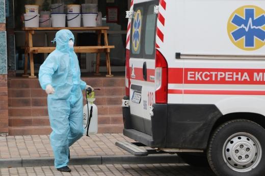Найбільше хворих в Ужгороді: ситуація з коронавірусом на Закарпатті (Інфографіка)