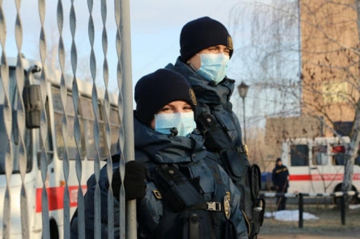Менше ніж за 2 тижні локдауну закарпатська поліція виявила більше 1700 порушень карантину