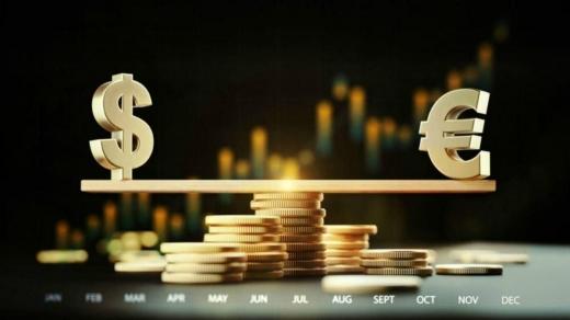 Ціна долара підскочила, євро поповз угору: офіційний курс