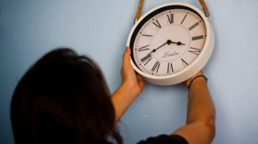 Євросоюз перевів годинники, 8 країн перейшли на літній час