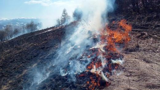 За добу рятувальники 32 рази виїжджали на  підпал сухої трави