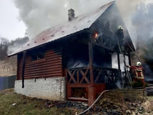 На Свалявщині горіла лазня