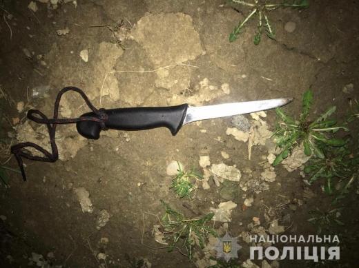 В Ужгороді чоловік через ревнощі вдарив жінку ножем