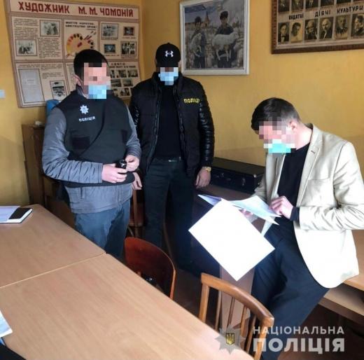 Поліцейські Закарпаття повідомили про підозру за корупційний злочин голові місцевої сільської ОТГ