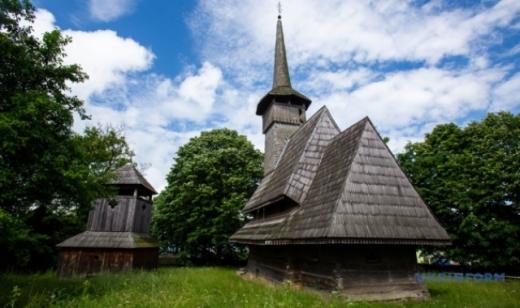 """У рамках програми """"Велика реставрація"""" планують відреставрувати 6 старовинних церков Закарпаття"""