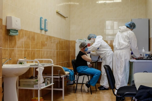Вакцинація від коронавірусу в Ужгороді: що відомо станом на сьогодні