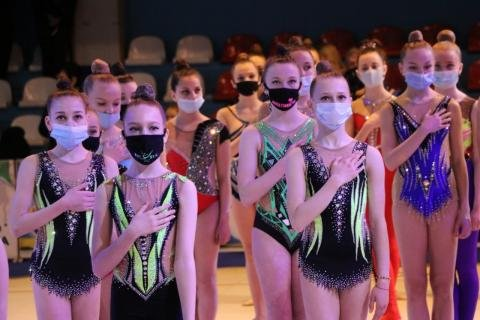 В Ужгороді змагаються майже 200 юних гімнасток