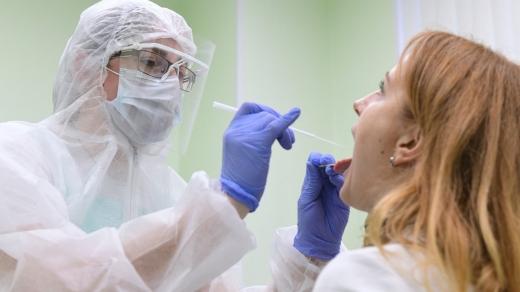На Закарпатті виявлено за добу 389 нових інфікувань COVID-19, 21 людина померла