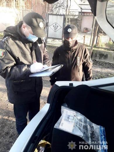 На Ужгородщині п'яний водій хотів підкупити поліцейських за 17 тисяч гривень (ФОТО)