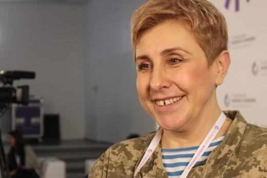 Випускниця ужгородського вишу Валерія Парада – перша жінка-миротвориця в Україні