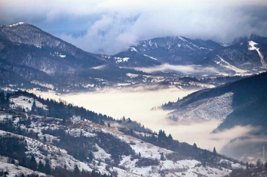 Закарпатців попереджають про високу сніголавинну небезпеку