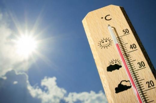 Синоптики розповіли, коли в України потеплішає