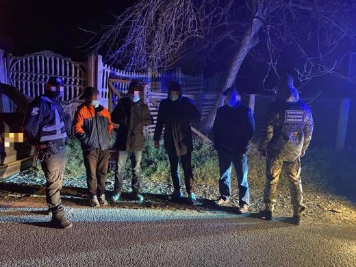 На Рахівщині затримали нелегальних мігрантів з Афганістану та їх переправників