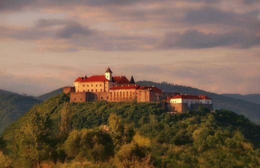 Замок Паланок знову відчиняє свої двері для туристів