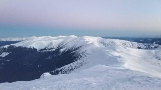 Потепління може призвести до сходження лавин, а також підйому рівня води
