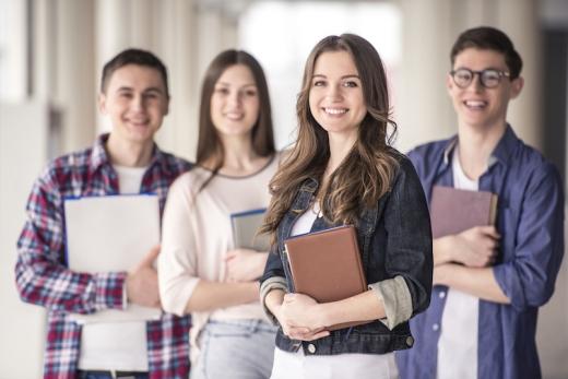 Випускників 11 класу звільнили від ДПА, але ЗНО все одно буде